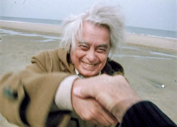 Joris Ivens feliciteert Jean Rouch Cinemafia